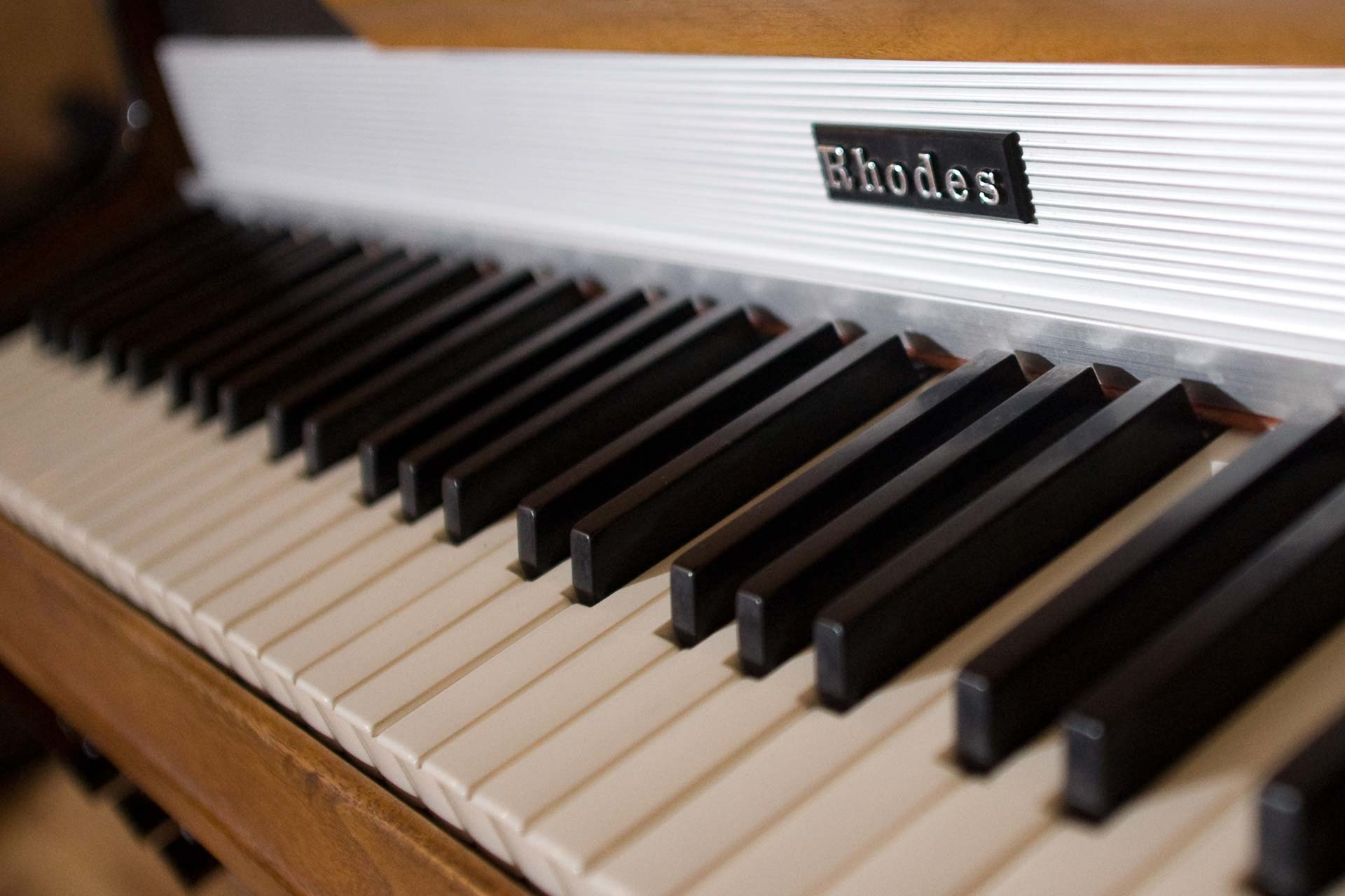 Rhodes_PIano_web